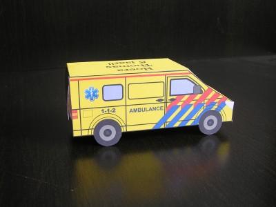 feestbordhuren_ambulance auto